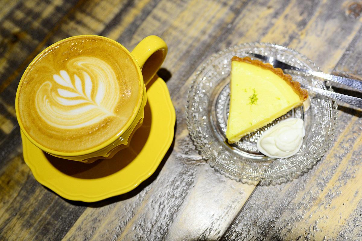 【美食】台北。松山區《Overture Cafe》南京三民站 寧靜的午後咖啡館