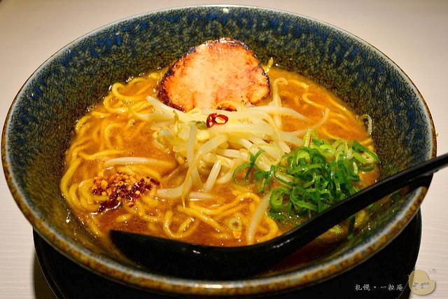 【美食】北海道自由行。札幌必吃《ラーメン札幌 一粒庵》米其林人氣排隊味噌拉麵