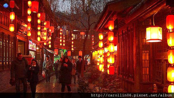 【旅遊】四川自由行。成都《錦里古街》西蜀第一街逛街購物小吃美食