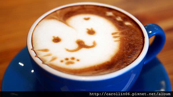 【飲記】台中。《貓●旅行咖啡輕食館 》