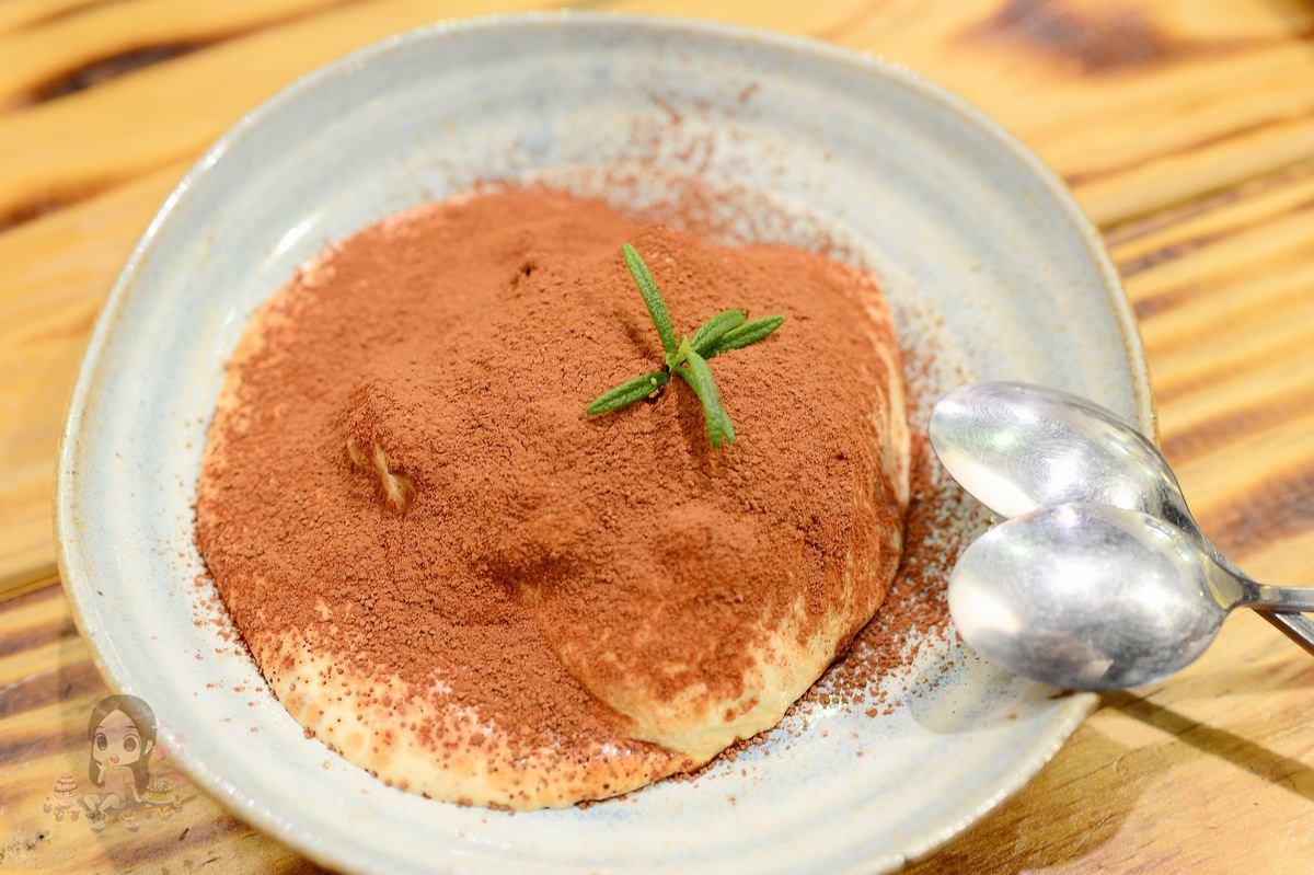 台中美食|沙鹿《出軌咖自家烘焙咖啡館》精品咖啡 下午茶甜點推薦