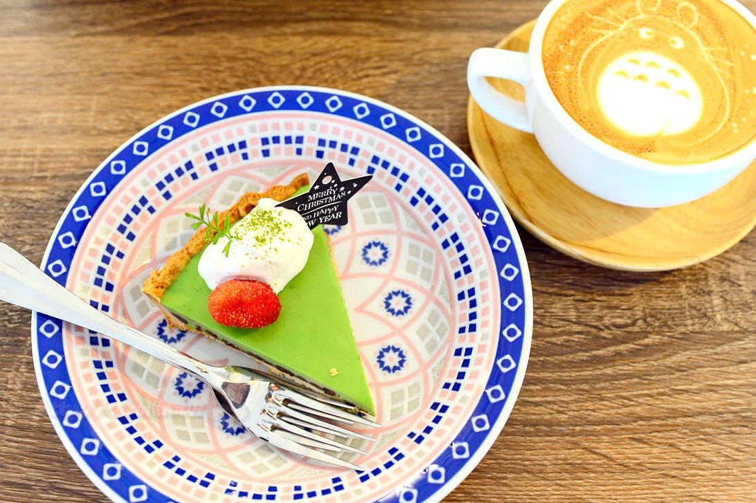 桃園美食|中壢《雷爾森咖啡 sweet coffee》龍貓拉花 手作甜點 自家烘焙咖啡館推薦