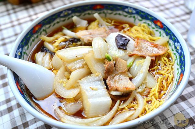 【美食】北海道自由行。東川町《蝦夷ラーメン》當地人氣醬油拉麵館