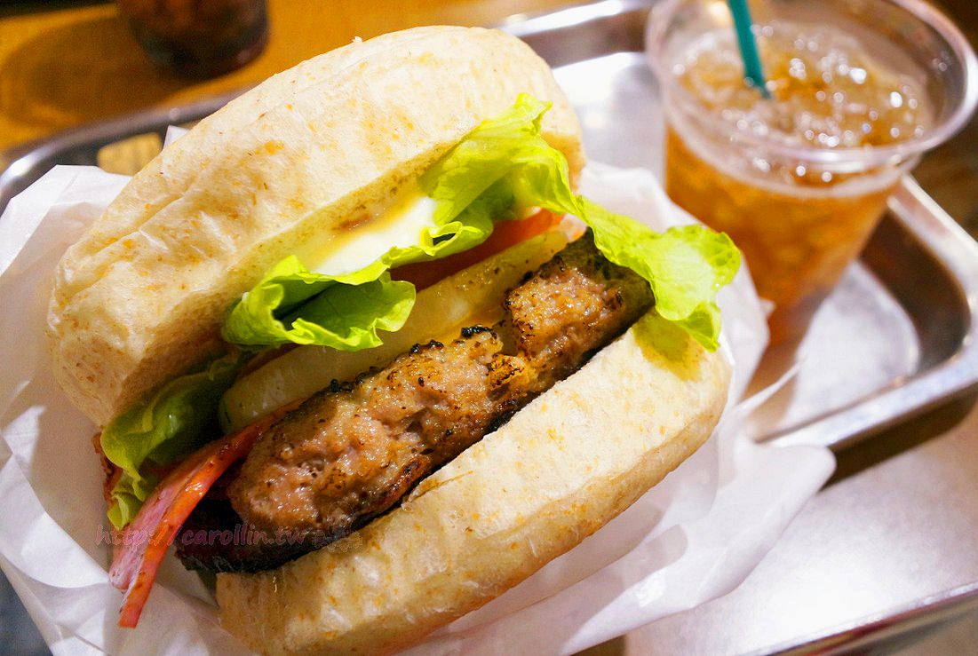 沖繩美食|石垣島《VANILLA DELI 》必吃石垣牛 現點現做和牛漢堡
