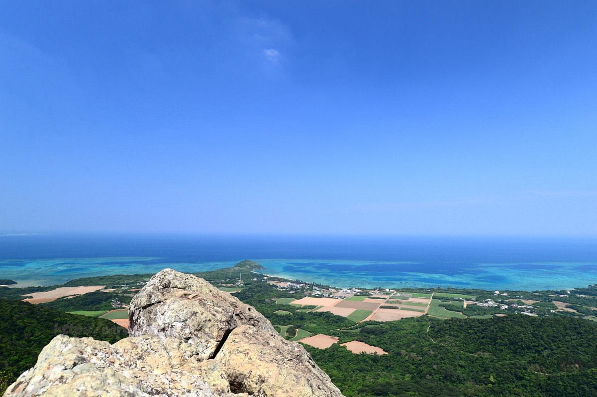自由時報副刊〈旅遊的滋味〉沖繩祕境‧石垣島鷹石尖