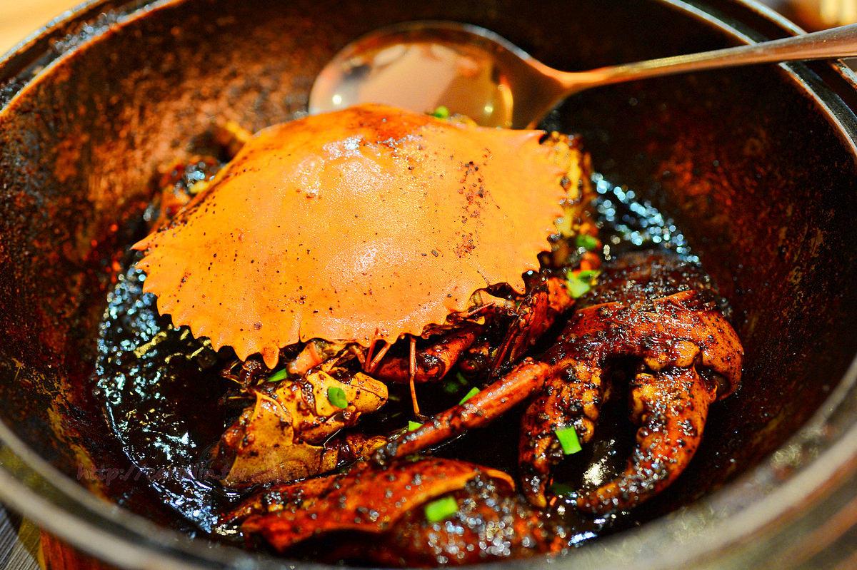新加坡美食|旅遊必吃《金記海鮮屋 Kim's Place Seafood》黑胡椒螃蟹 炒福建蝦麵老店
