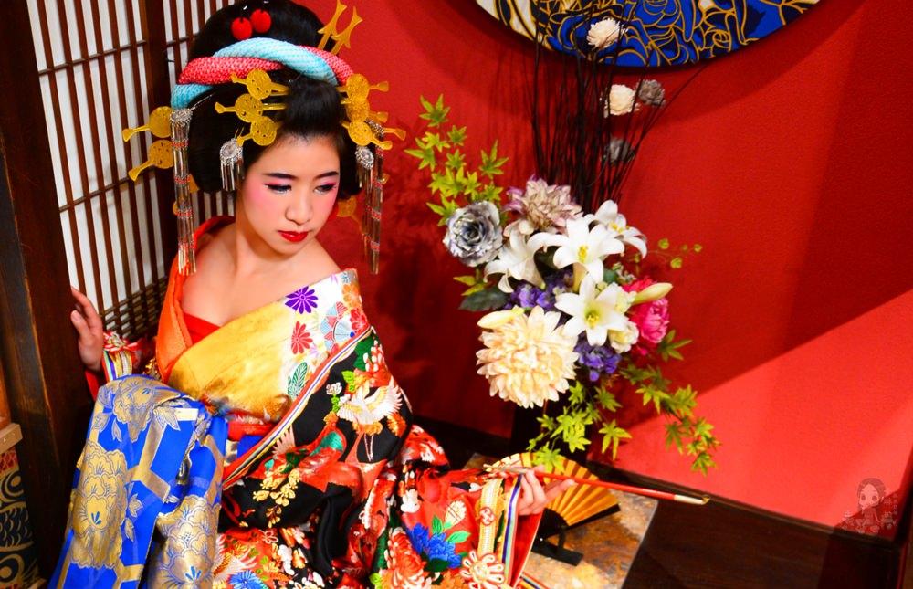 【旅遊】關西自由行。京都八坂通《夢工房 藝妓花魁體驗》日本傳統華麗和服 舞妓妝藝術照