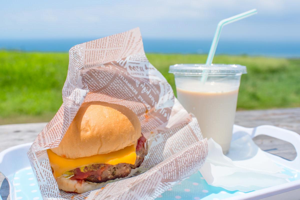 沖繩美食 | 石垣島《Mirumiruミルミル本舗》海景咖啡店 好吃漢堡冰淇淋