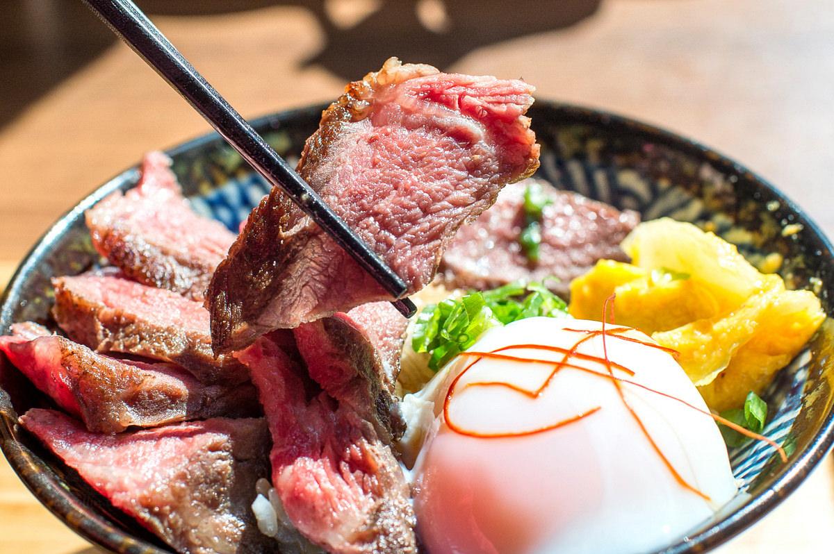 台南美食 | 東區 兩斤家廚房 1.2KG Kitchen – choice等級 炙燒牛排丼飯