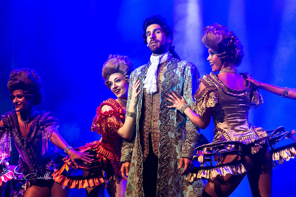 costa venezia 歌詩達郵輪威尼斯號 假面嘉年華 義大利歌舞表演