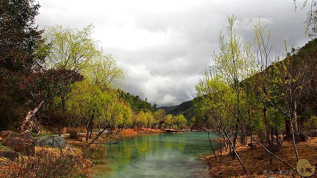 【旅遊】雲南自由行。麗江《藍月谷》玉龍雪山下的藍寶石風景