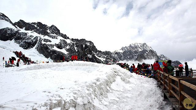 【旅遊】雲南自由行。必去!《玉龍雪山》滿是白雪的麗江聖山