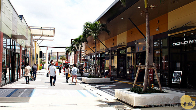 【旅遊】沖繩自由行。那霸購物必逛《Ashibinaa》Okinawa Outlet Mall 大型暢貨商圈