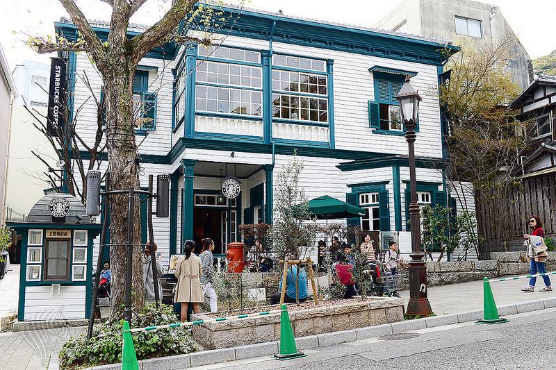 【旅遊景點】神戶自由行。北野異人館觀光區《Starbucks Coffee》必訪!北野物語館 x 洋房古蹟建築咖啡店 神戶城市旅行紀念杯購買處