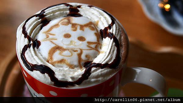 【食記】基隆。《貓小路cafe》繽紛貓主題